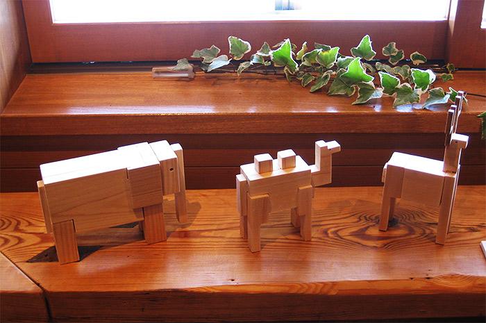 Wooden animal puzzles by Nobuo Yamagishi
