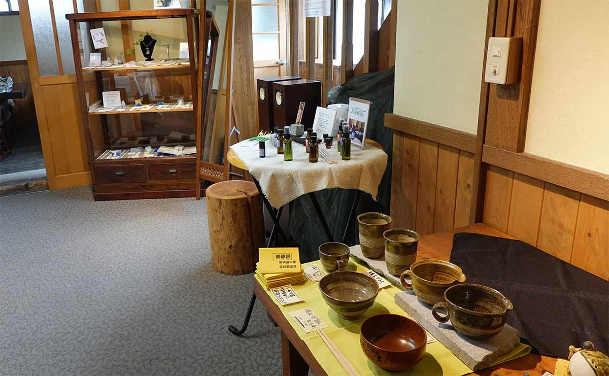 柴石を素材とした様々な作品たち